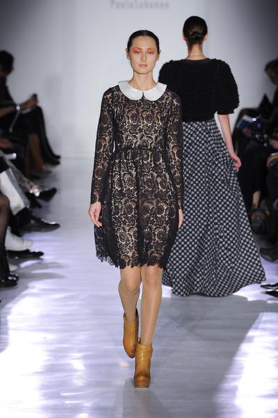 women-broderie-dress